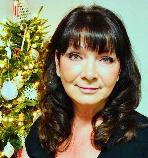 Photo of Kimberly Wallace, The Estate Lady, Calgary Paralegal